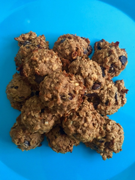 TwoCarolines_Healthy Peanut Butter Banana Oat Chocolate Chip Cookies.jpg